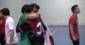 Abrazo entre Nacho Clemente y Carlos Buxeres tras quedar campeones de Lliga contra Bordils B.
